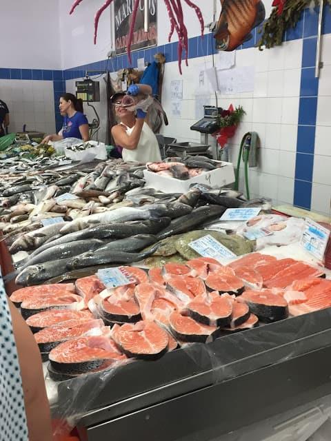 Quarteira fish market