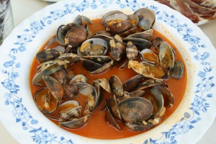 spanish style clams